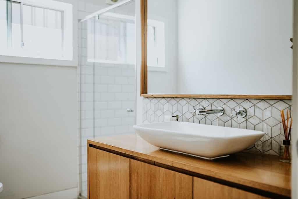 Locspec Building Oak Flats Renovation - bathroom sink