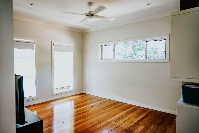 Locspec Building Oak Flats Renovation - bedroom